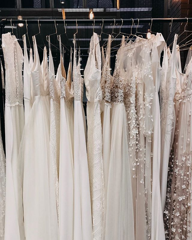 We took a little trip to @joonbridal in Fayetteville last week to pick out the dresses for the styled shoots. Their new store is so magical 😍 We still have 1 spot left, so if you want to play around with these pretty dresses in small groups of 4 or less (this was super important to us!) then snag the last ticket.