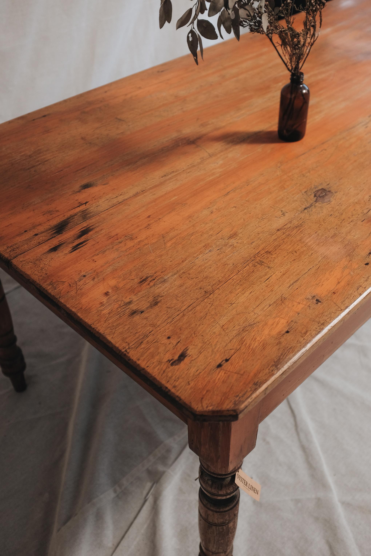 TABLE (4 of 6).jpg