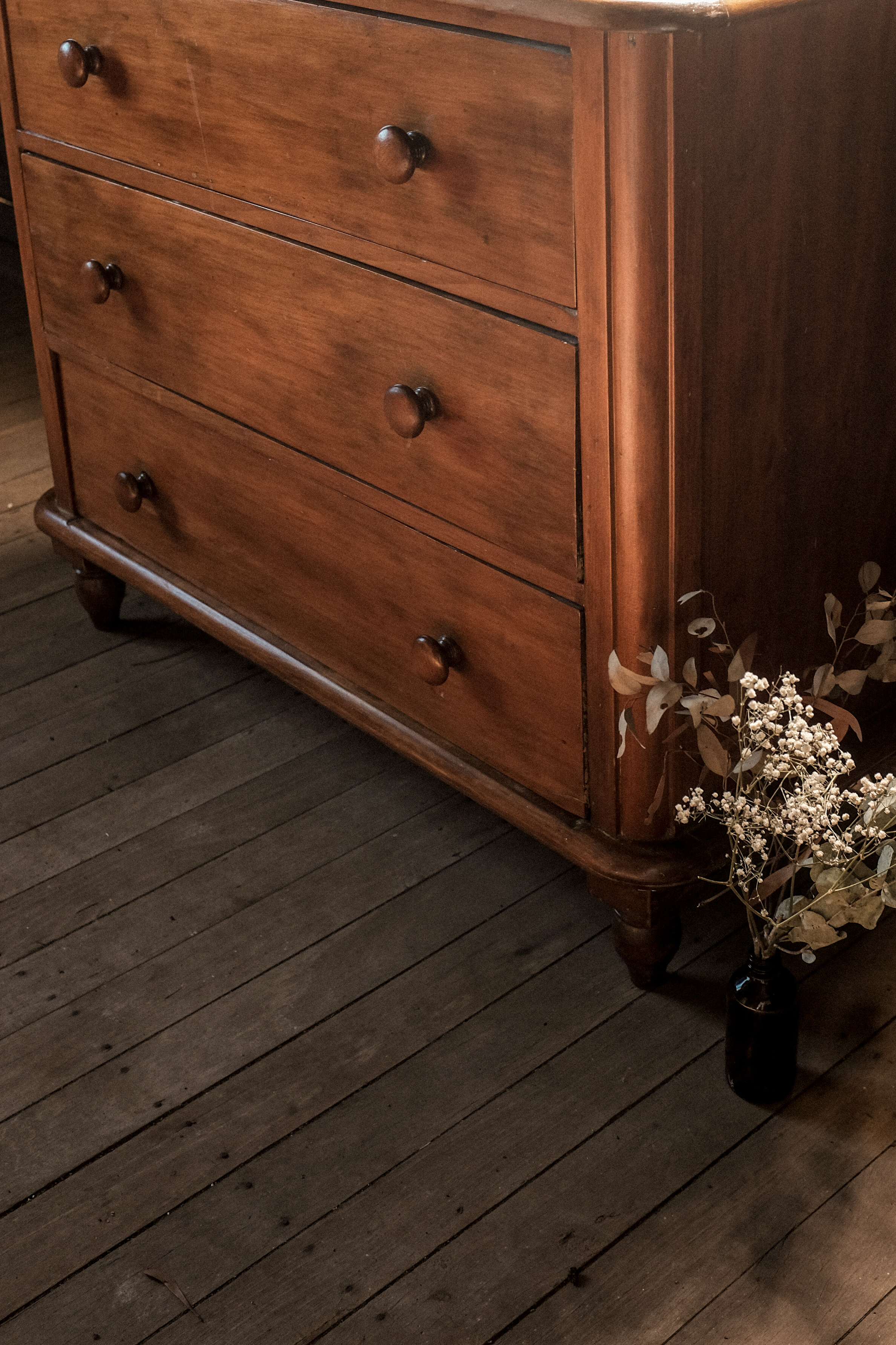 chest drawers (1 of 6).jpg