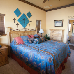 The Lone Star   2 Bedrooms, 2 Bathrooms  CLICK TO BOOK & VIEW PHOTOS