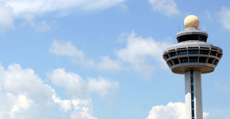 air-traffic-control-tower-monitor-display-touchscreen-radar-navigation.jpg