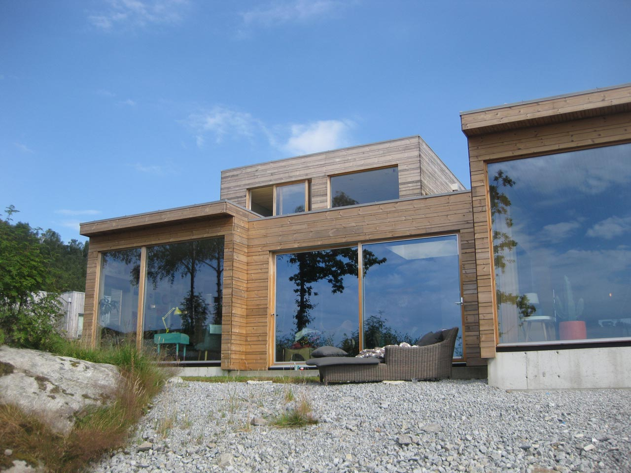 arkitekt_kolstø_nybygg_moderne_enebolig_flatttak_tysvær_trekledning_2av7.jpg