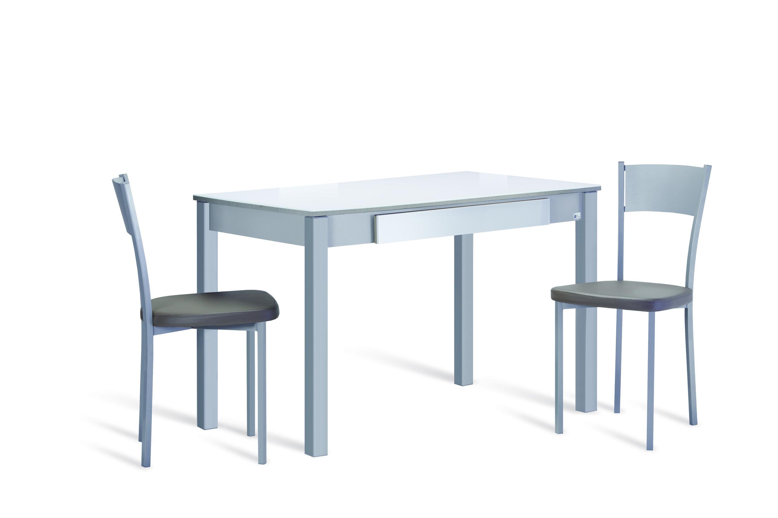 """TEEN - Uma linha de mesas de cozinha jovem e prática, que dá resposta às necessidades fundamentais do dia-a-dia na cozinha. Encontre a mesa de cozinha que lhe permitirá saborear os melhores momentos da vida. Combine-a com a cadeira de cozinha perfeita. Estas e outras mesas de cozinha distintas, com """"superpoderes"""", definem esta coleção de mesas e cadeiras de cozinha."""