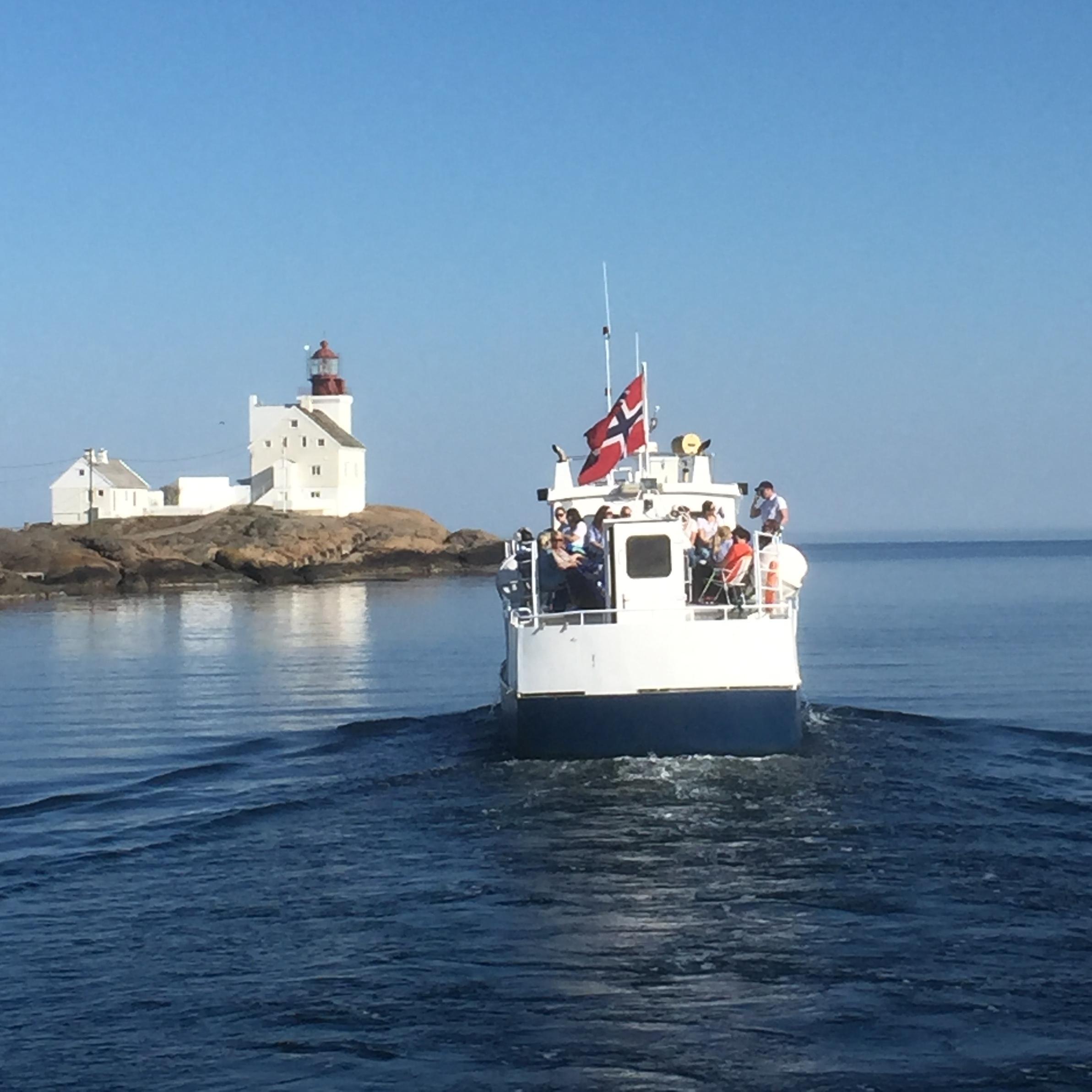 Charterturer langs den vakreste delen av Sørlandskysten. - Vi arrangerer charterturer for store ogs må grupper. Ta kontakt med oss for nærmere informasjon om priser m.m.