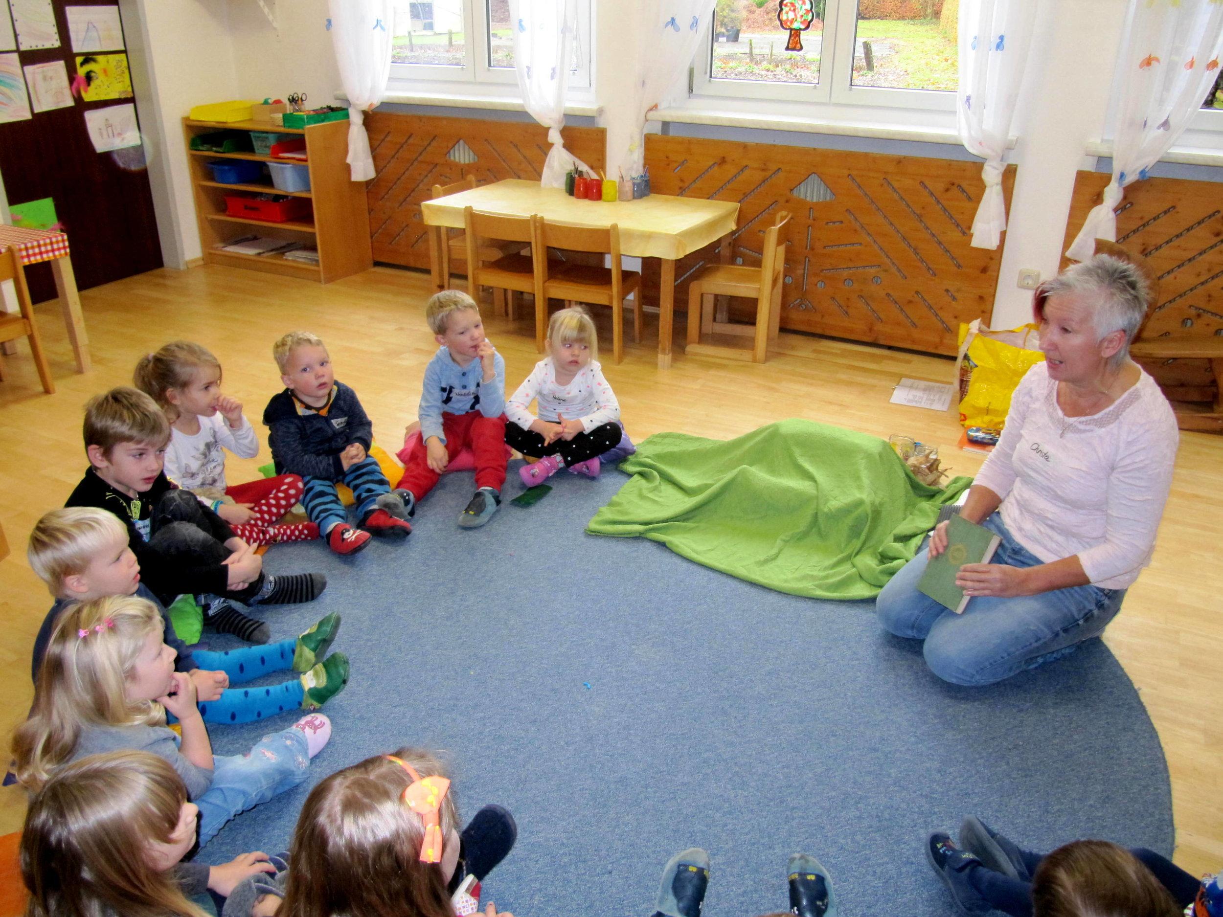 """Frederick zu Gast im Montessorikindergarten """"kids & company"""", Steyr"""