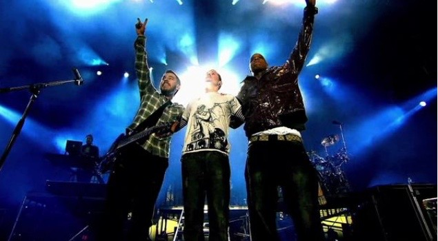 Chasing out the darkness inside or How Linkin Park helped me survived