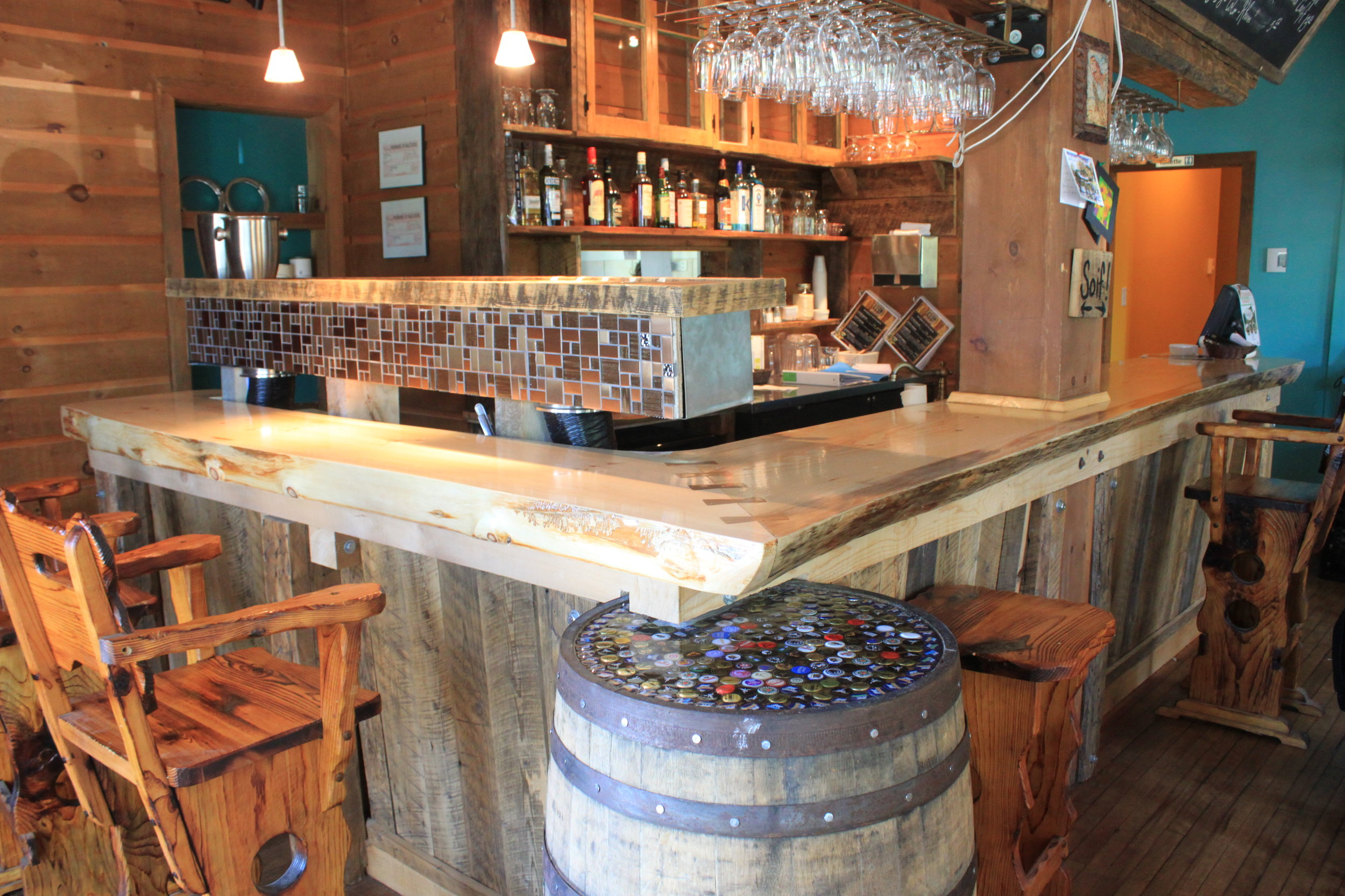 Auberge Bar.JPG