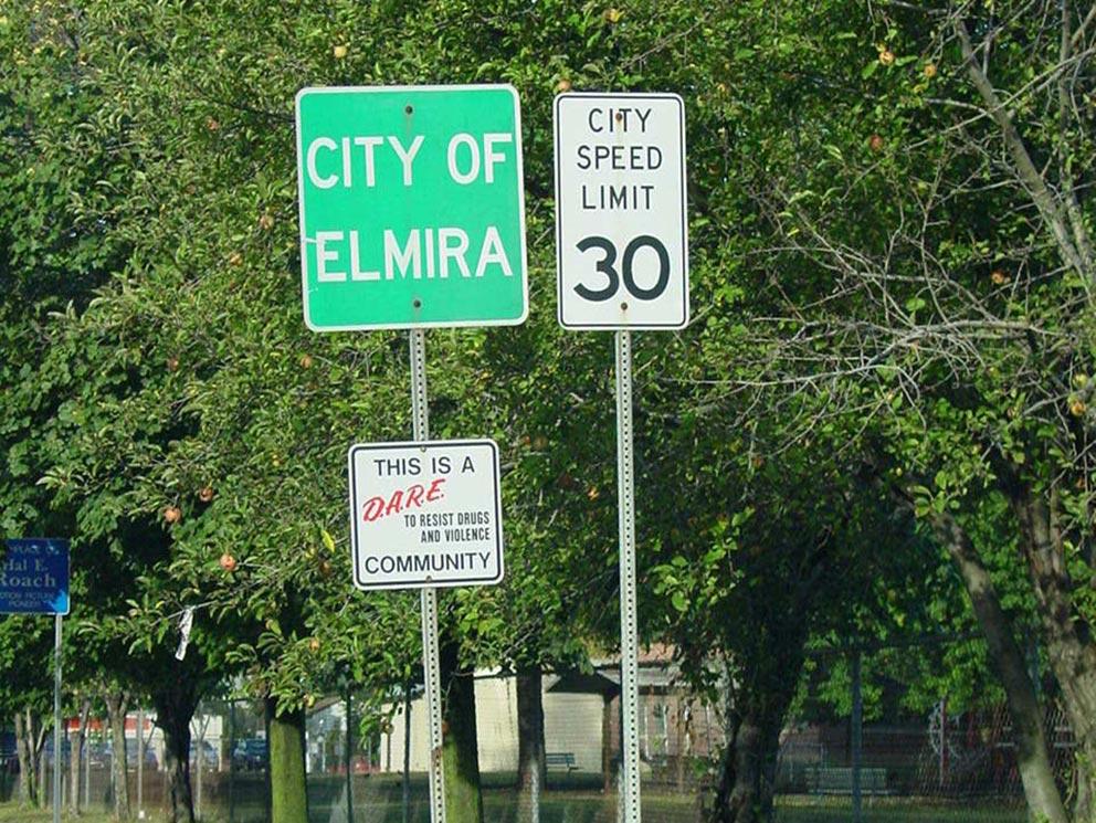 - Elmira - wo Jane Roberts und Robert Butts zuerst an der West Water Street, dann an der Pinnacle Road lebten.
