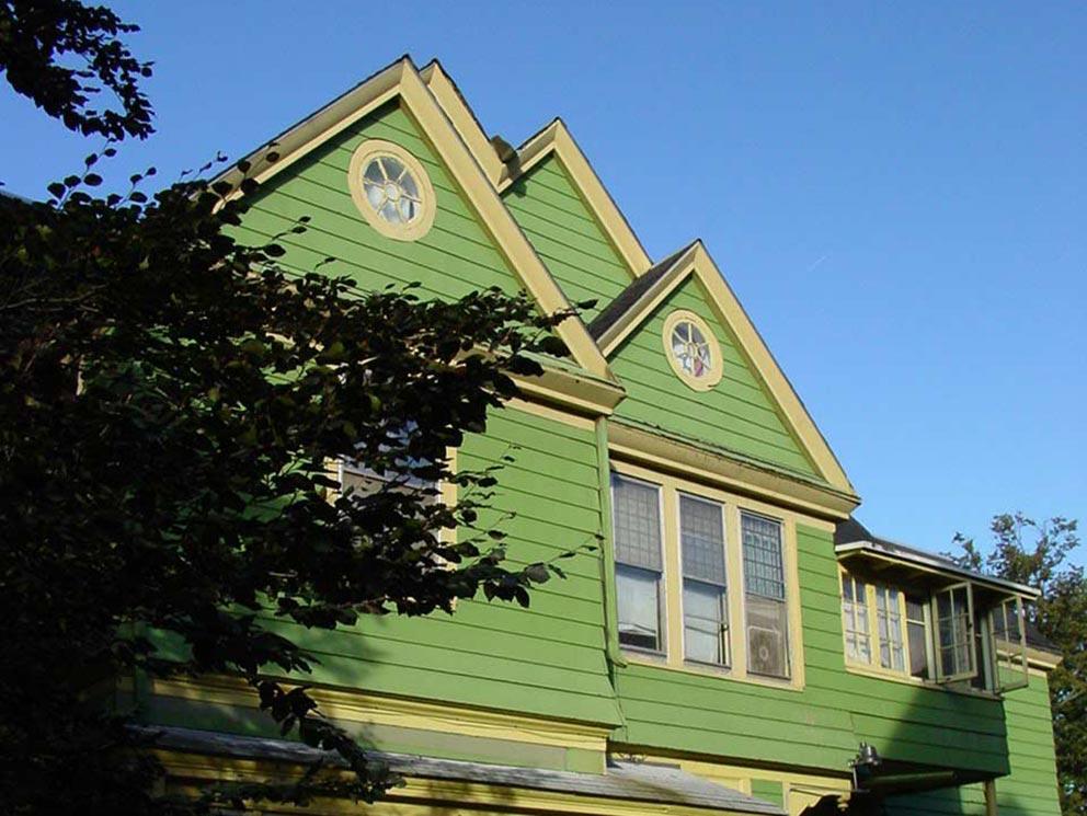 - Oberes Stockwerk des Apartment-Hauses an der West Water Street 458 in Elmira, in dem Jane und Rob zwei Wohnungen gemietet hatten.