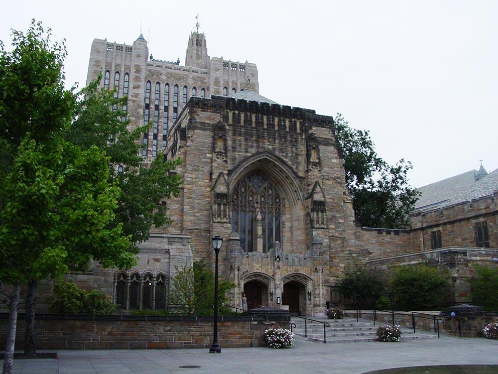 - Sterling Memorial Library der Universität Yale mit den Texten von Jane Roberts und Robert Butts.