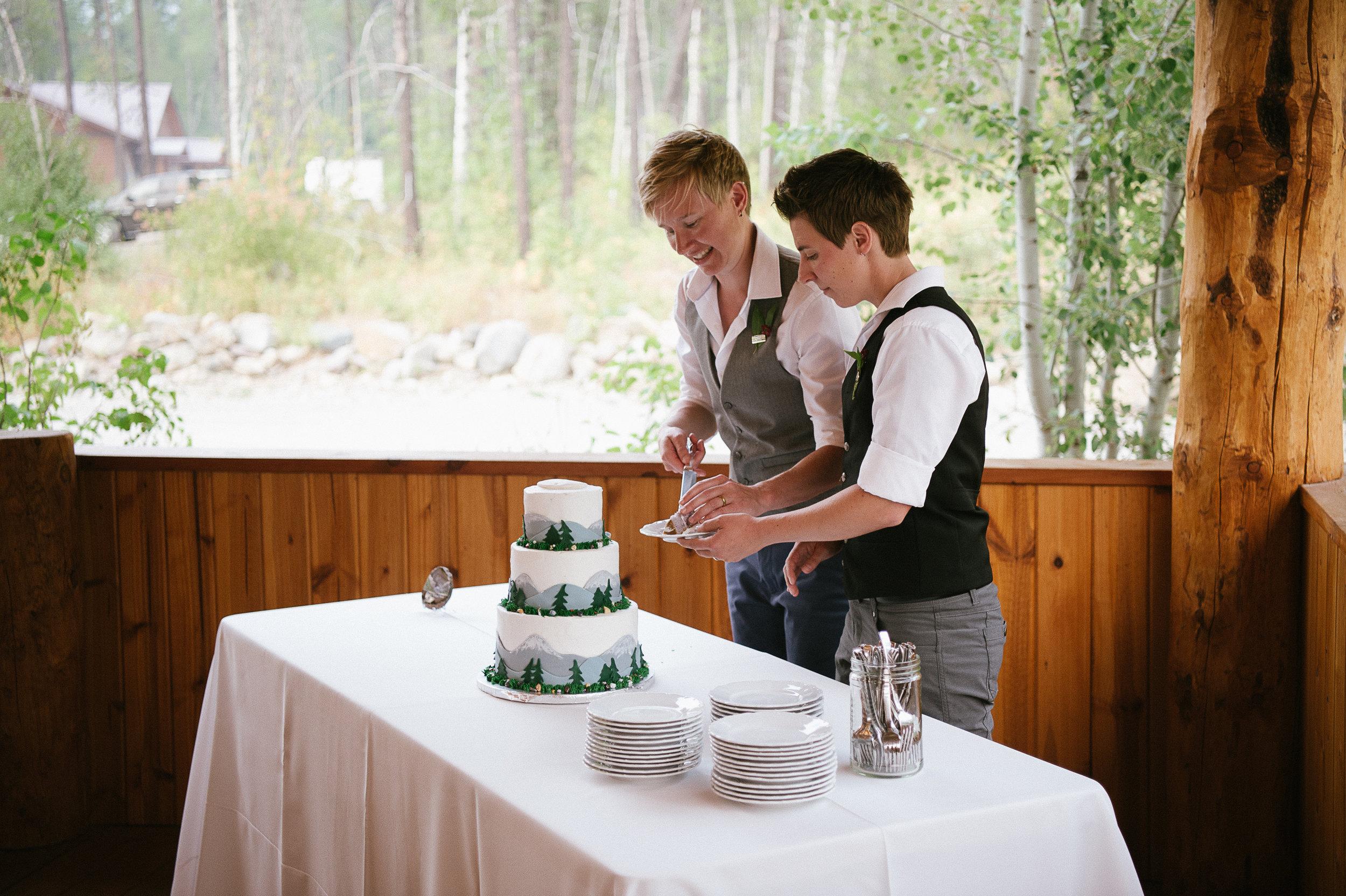 Glacier Montana Wedding_Elly Maurer + Frankie Dashiell Wedding_Beautiful Outdoor Wedding_Kelsey Lane Photography-5490-2.jpg