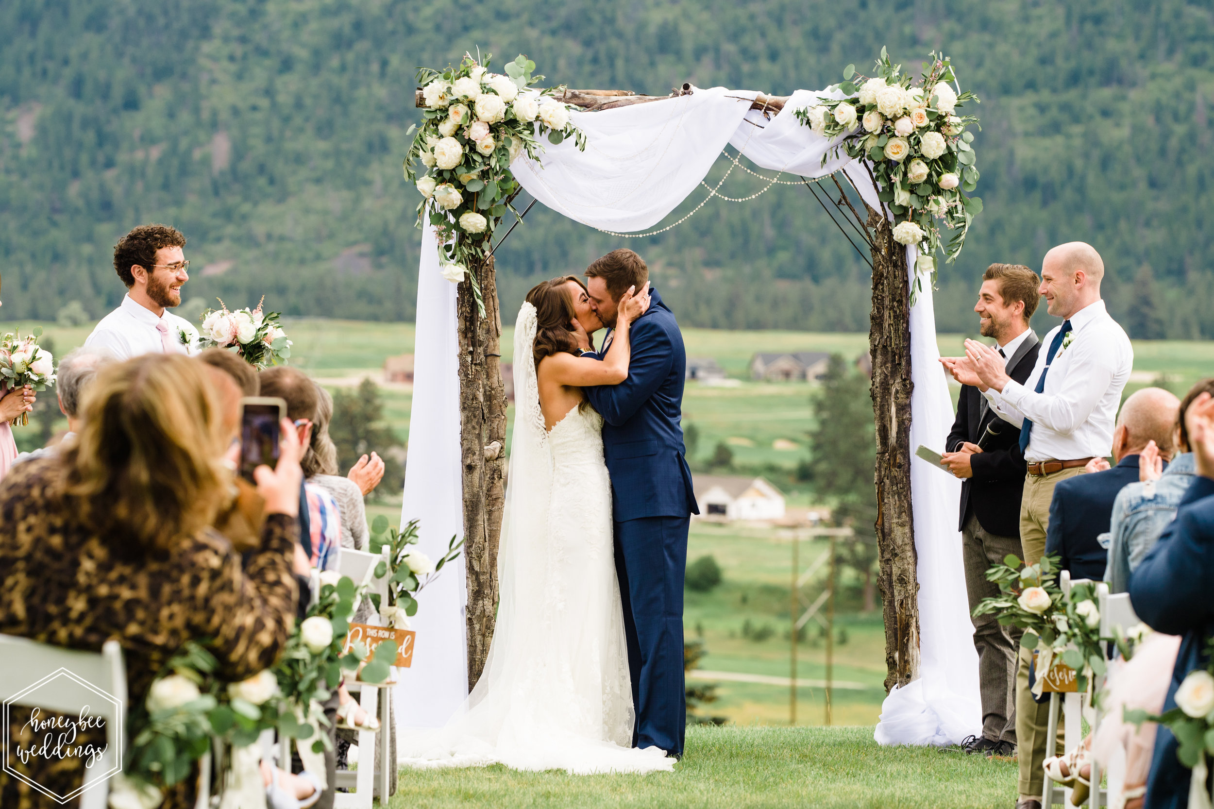 068Montana Wedding Photographer_Missoula Wedding_Honeybee Weddings_Devlin & Jacob_June 22, 2019-1721.jpg