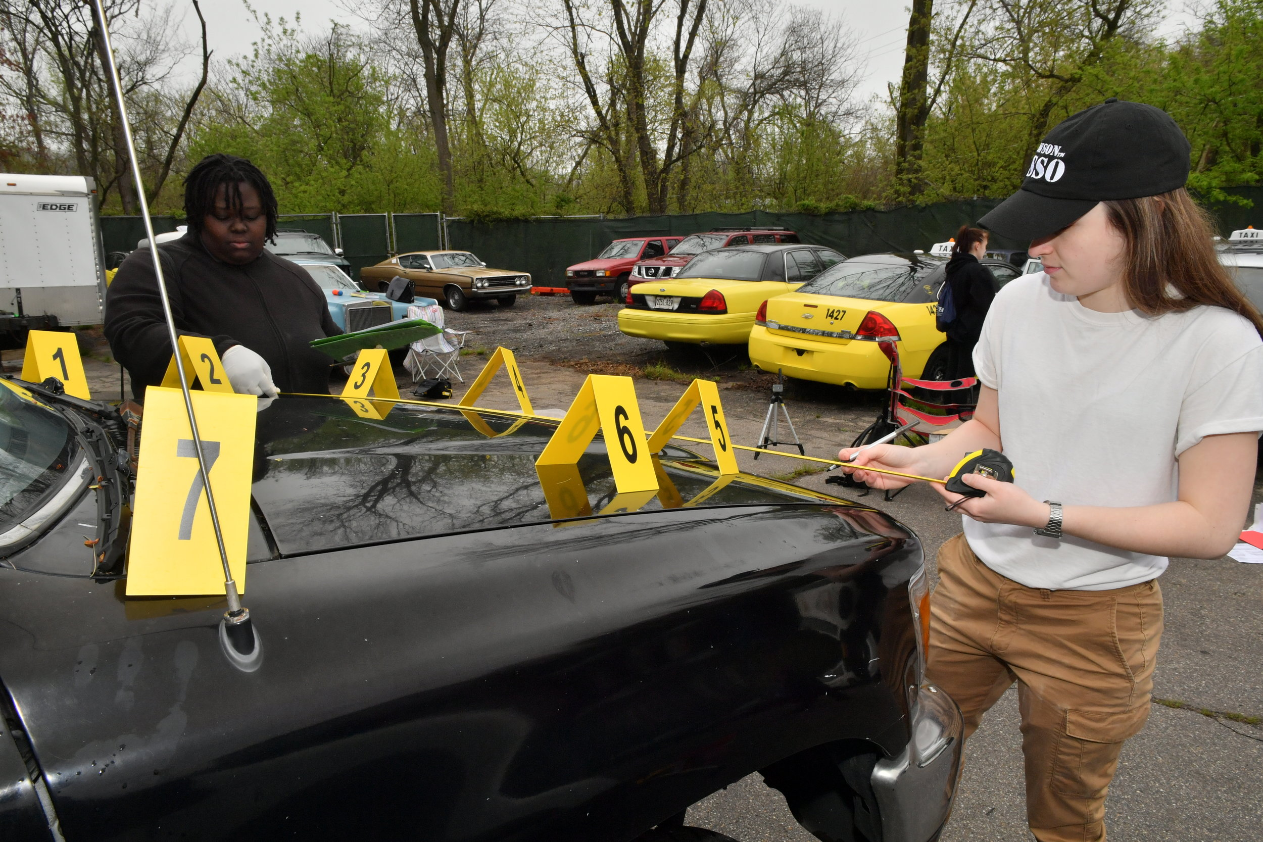 TU Crime Students Mock Crime Scene International Auto Repair Baltimore MD 21207 21244 4.JPG