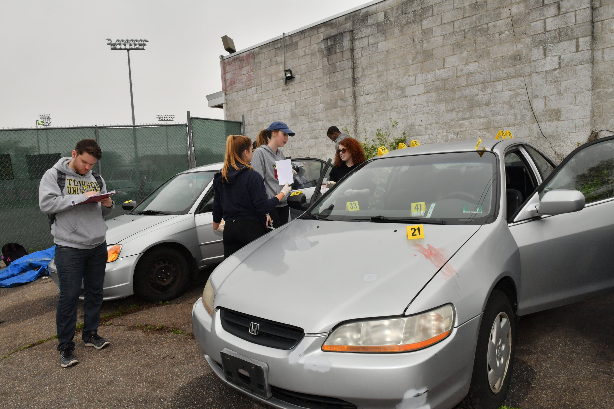 TU Crime Students Mock Crime Scene International Auto Repair Baltimore MD 21207 21244 5.JPG