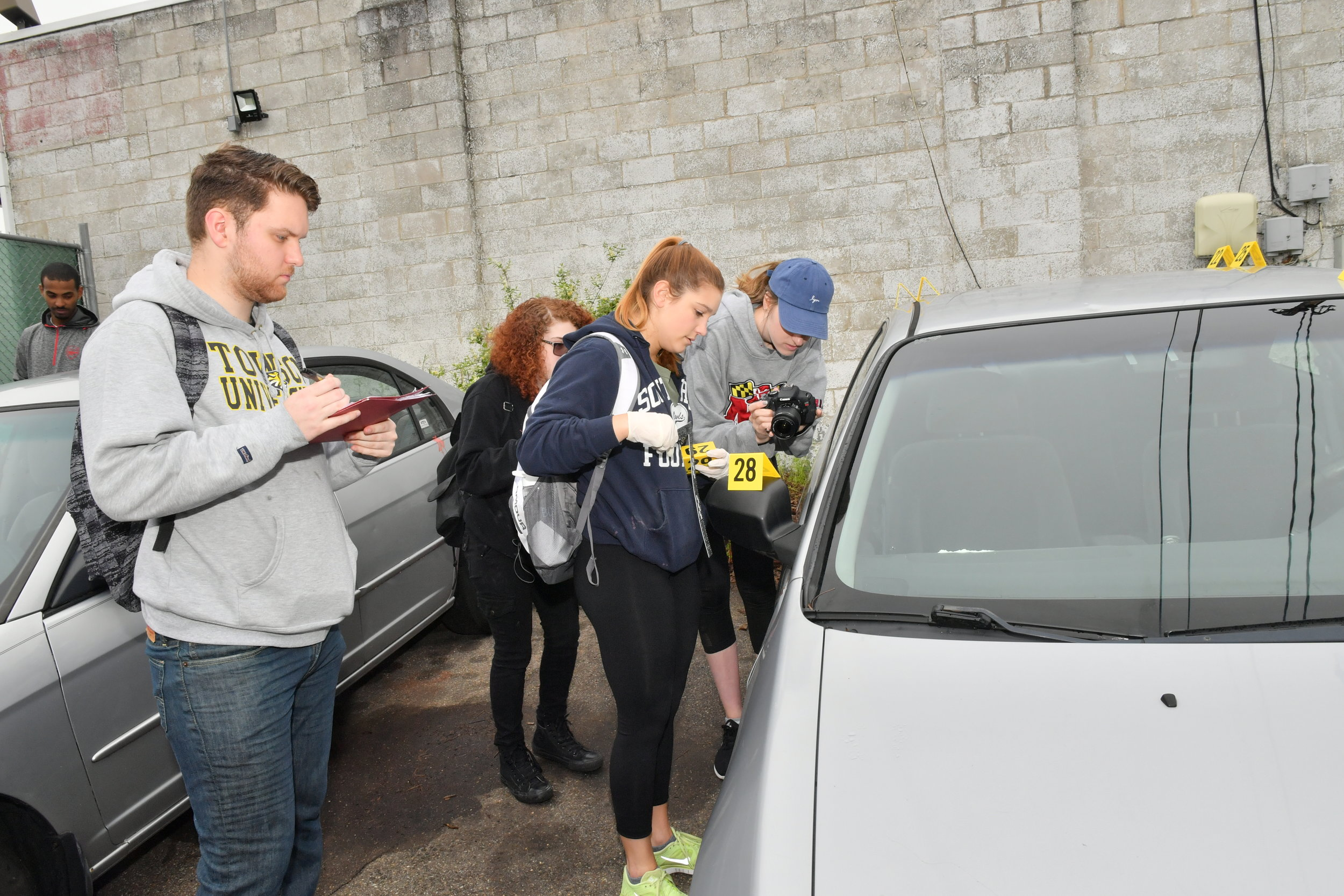 TU Crime Students Mock Crime Scene International Auto Repair Baltimore MD 21207 21244.JPG