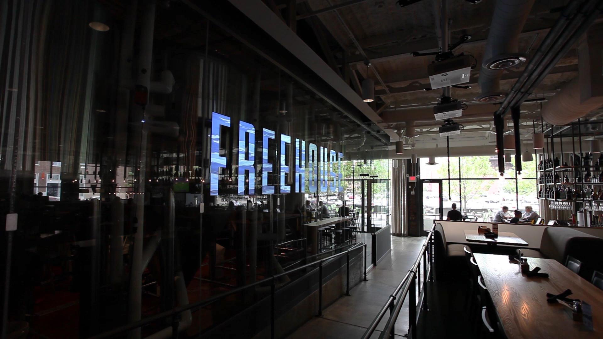 Freehouse+Projection+Display_W_00000.jpg