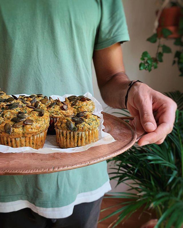 These days we are totally enjoying trying out new recipes. In our case: delicious food = happy family 😅. Мы во всю тестируем рецепты все эти дни. Наша семья всегда счастлива если есть чего-нибудь вкусненькое и главное полезное. Вкусная еда = счастливая семья :) . . . #fitchickbakery#sugarfree#grainfree#glutenfree#familylove#healthybaking#slowcarbs#sugarfreebaking#безсахара#безглютена#беззерновы#полезнявыпечка