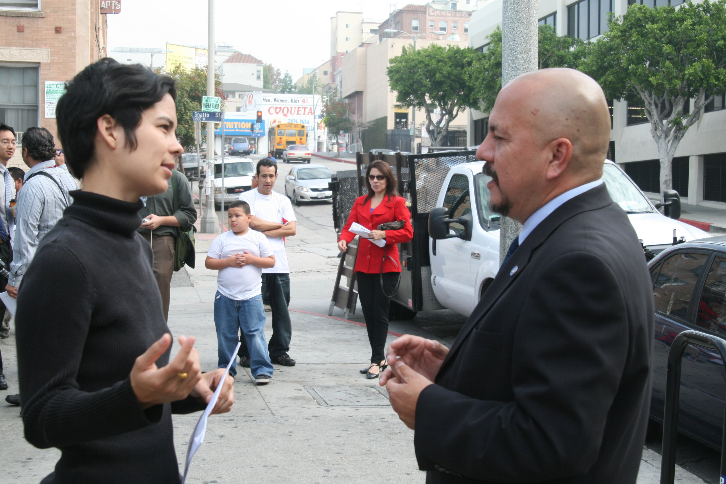 CoL co-founder Allison Mannos chats with Councilmember Ed Reyes (CD-1) on 10.14.2010