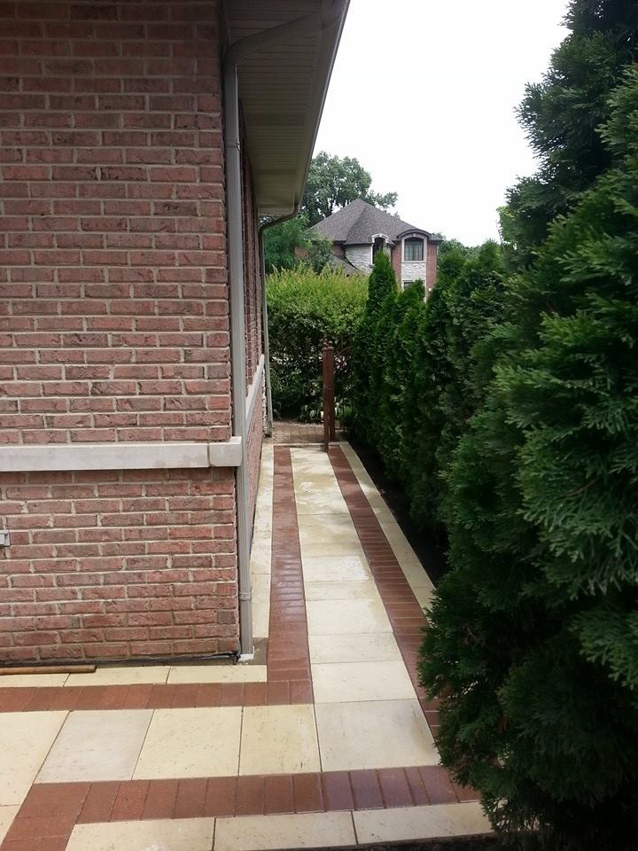 Walkway landscape design in Buffalo Grove, IL