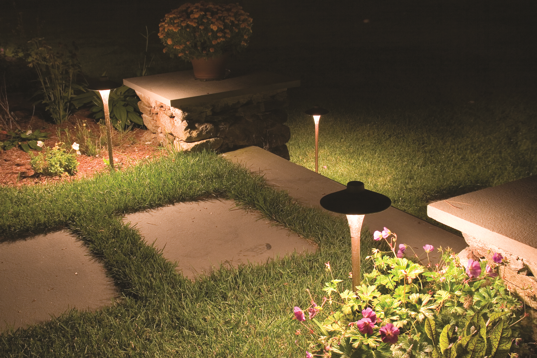 Outdoor lighting and other landscaping services by landscaping companies in Glenview, IL
