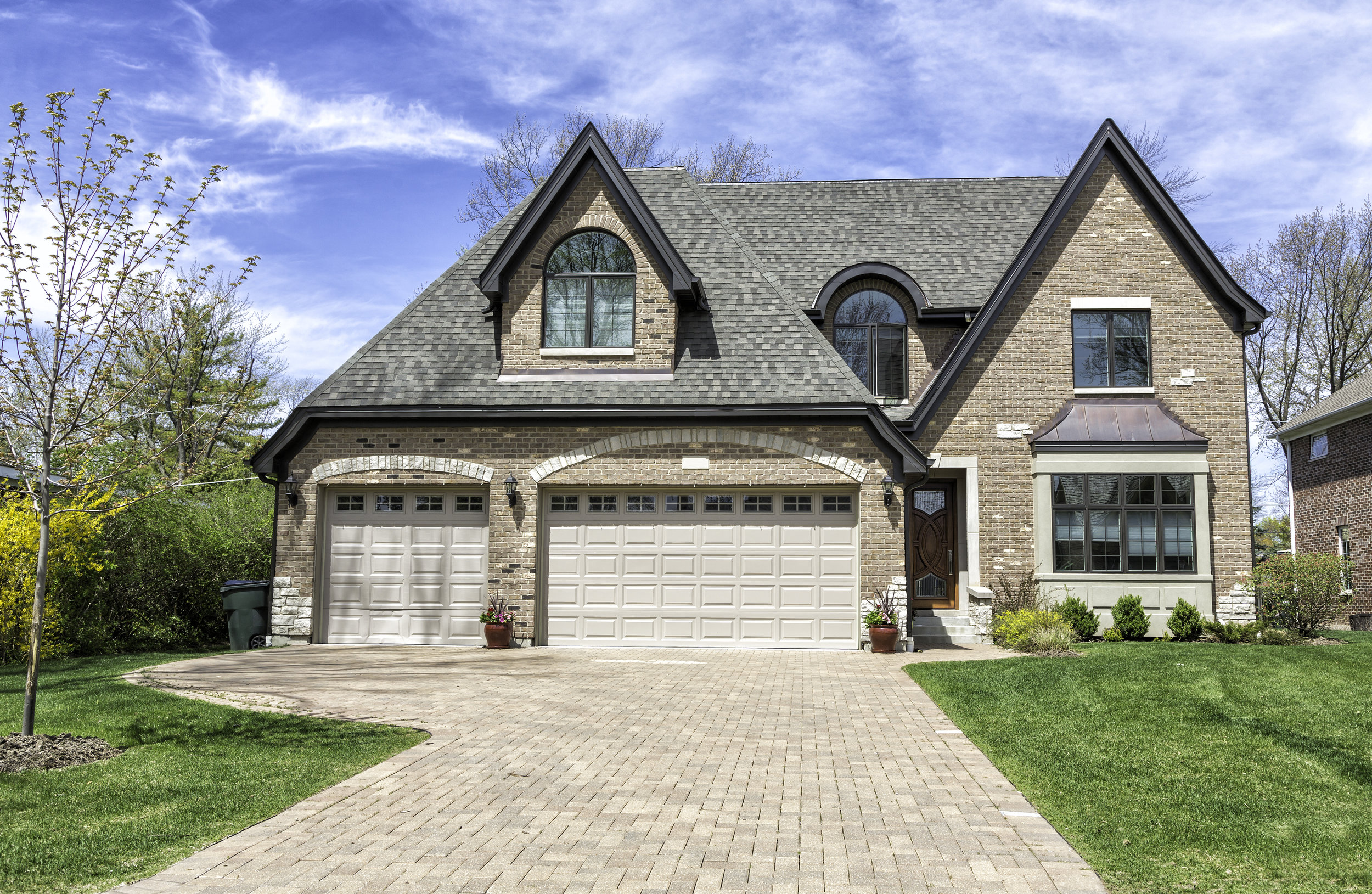 How Landscape Contractors Can Make Your Driveway Stand Out in Buffalo Grove, IL