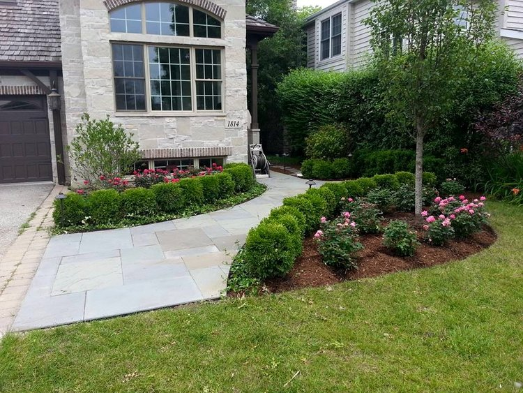 Patio pavers in Glenview IL and lawn service maintenance Glenview, Illinois