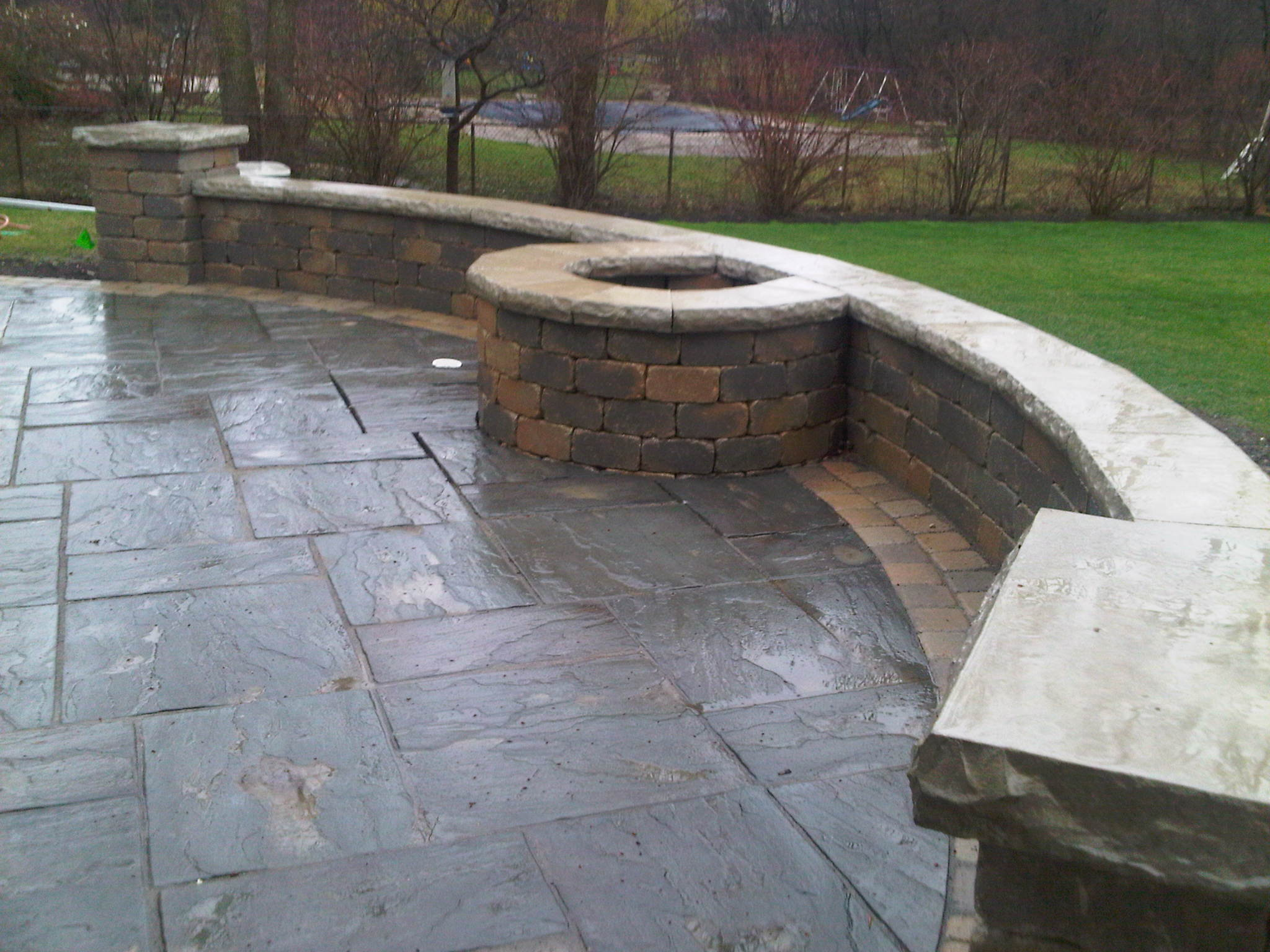 The Functionality of Seat Walls for Your Lake Forest, IL, Landscape Design