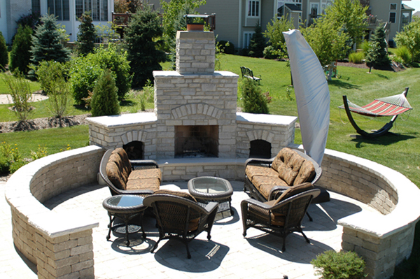 7 Reasons to Add an Outdoor Fireplace to Your Glenview, IL, Backyard