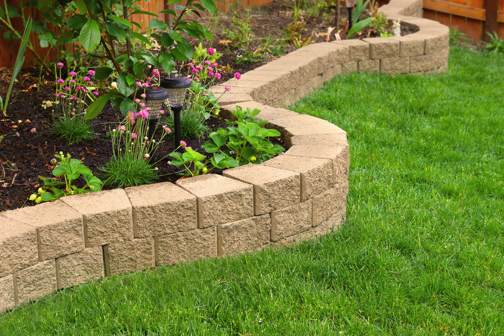 Scouting for landscape contractors in Lake Forest, Illinois