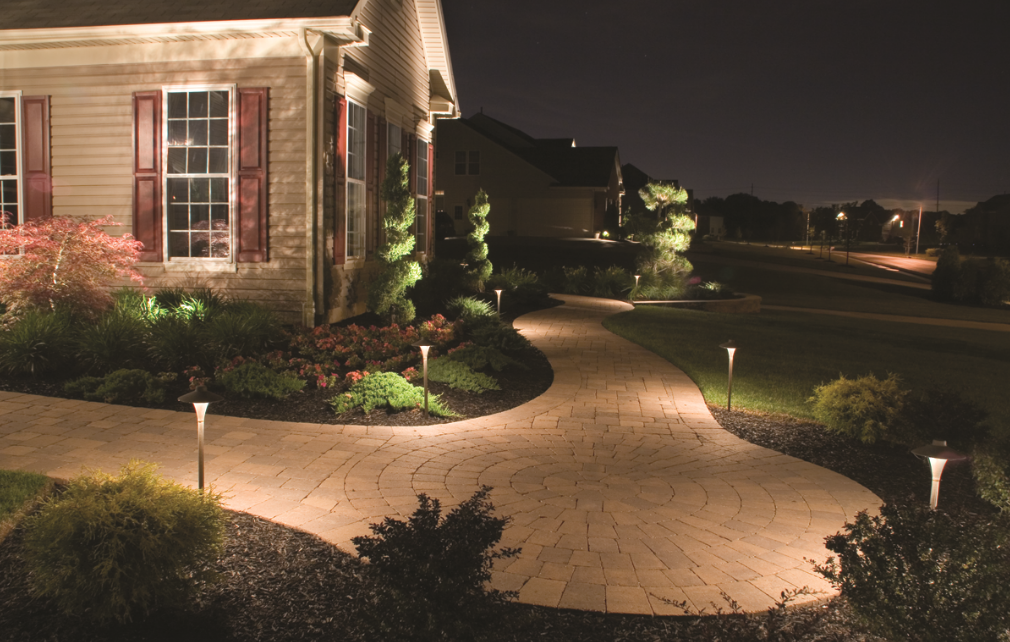 Add Contrast and Dimension to Your Landscape with These Outdoor Lighting Techniques