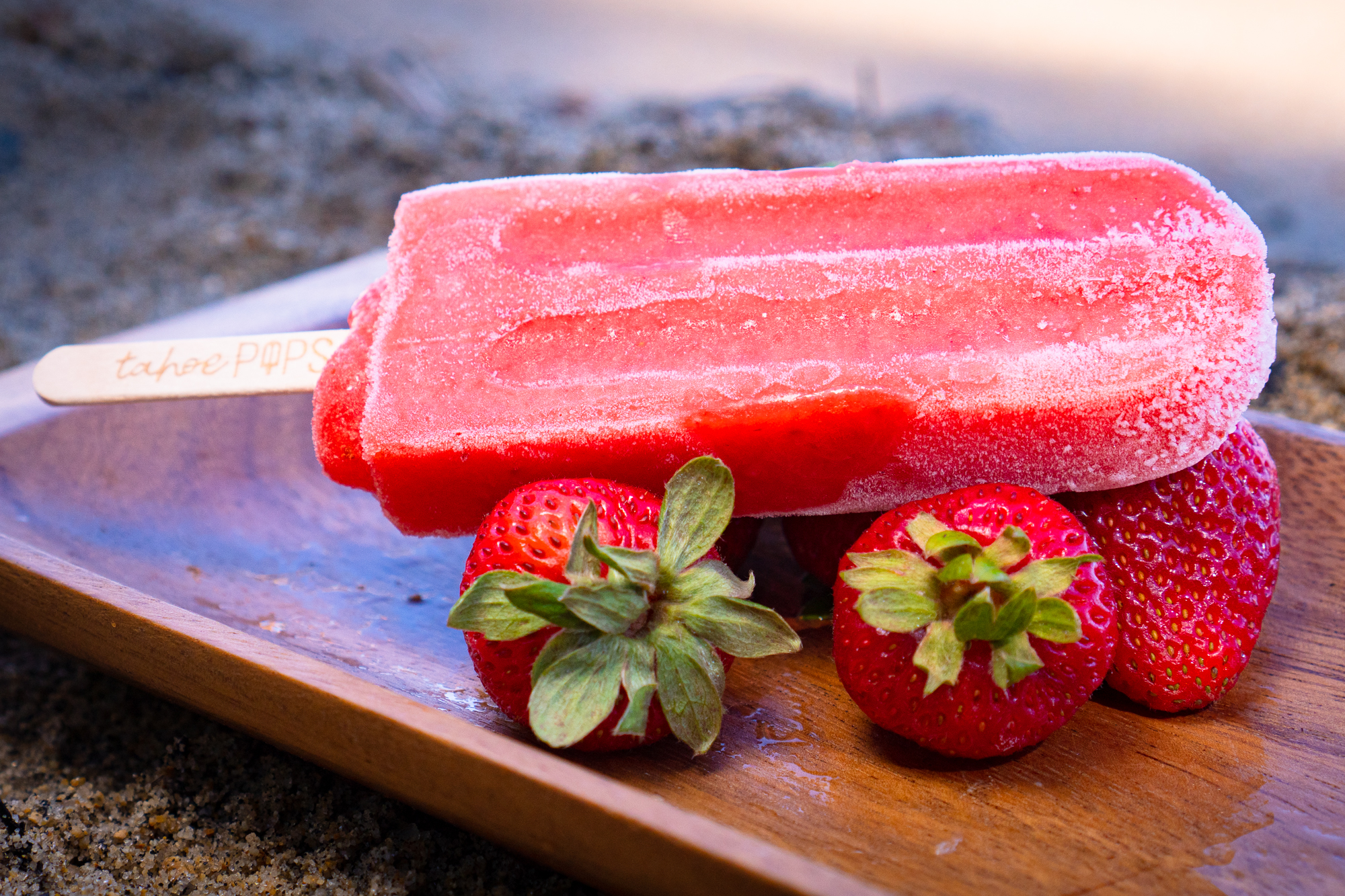 Ingredients: Fresh strawberries, Lake Tahoe water, organic cane sugar, organic tapioca dextrose, organic pure lime juice