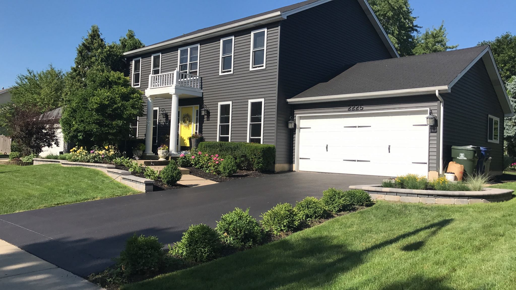 Green plantings landscaping design in Hinsdale, IL