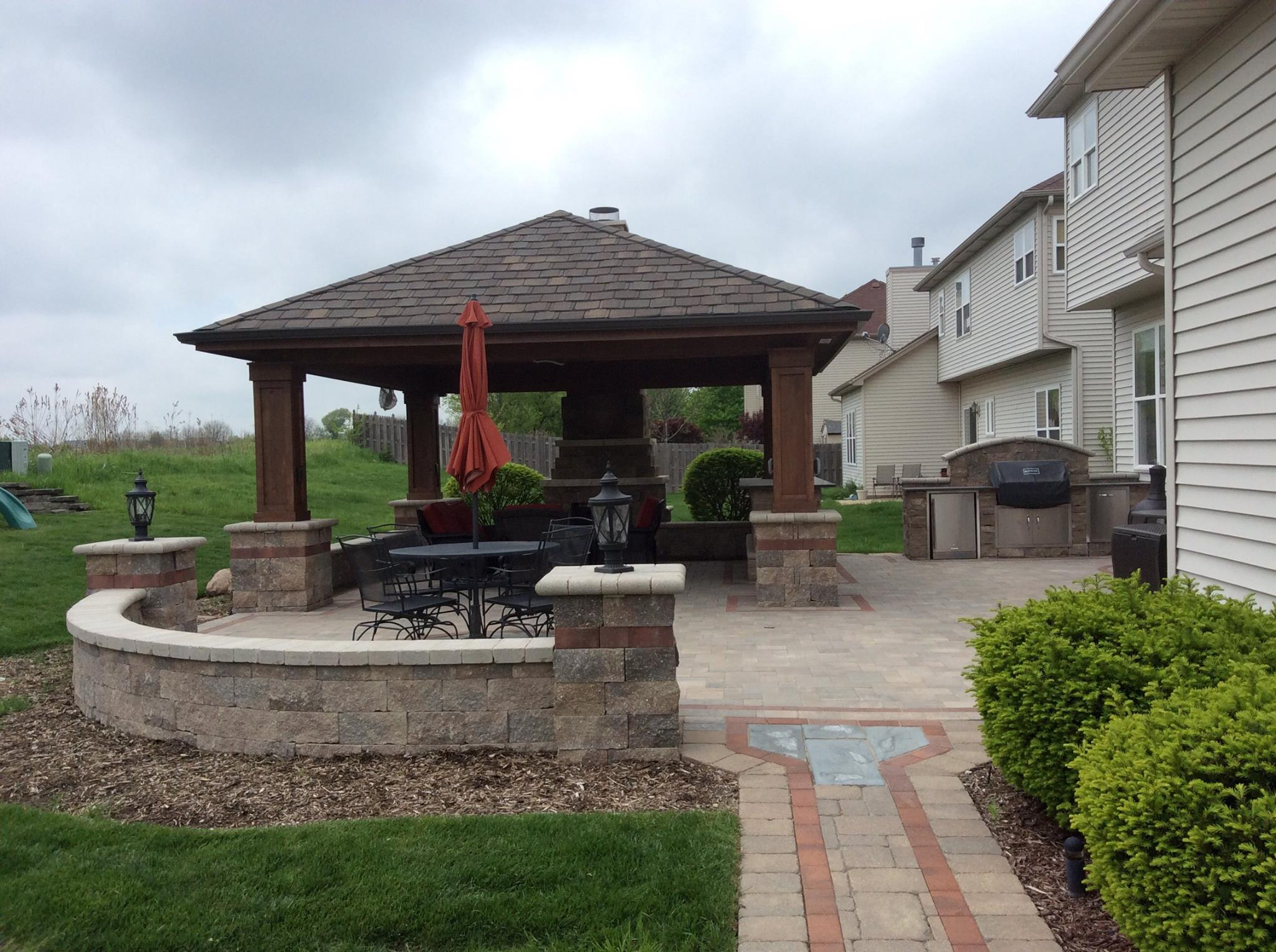 Brick patio and retaining wall in Elmhurst, IL