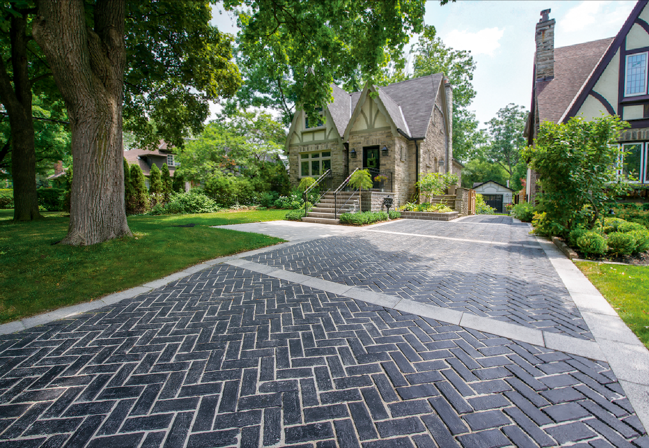 5 Stunning Edging Ideas for your Unilock Brick Driveway in Burr Ridge, IL