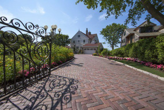 7 Benefits of Installing a Unilock Brick Paver Driveway in Burr Ridge, IL
