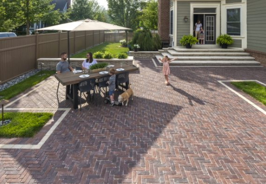 5 Beautiful Ways to Edge Your Hinsdale, IL, Brick Paver Patio
