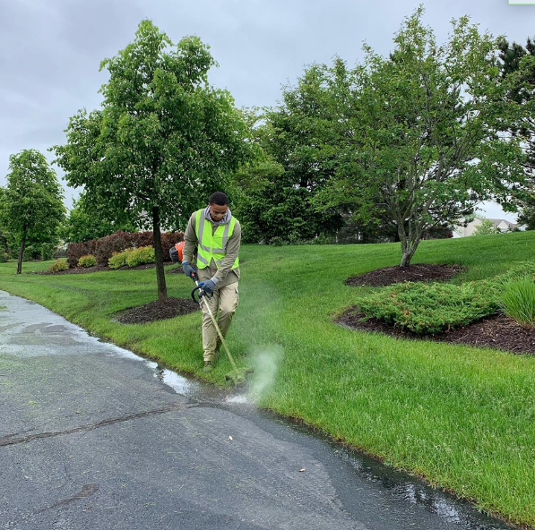 Why You Should Schedule Commercial Landscaping Maintenance in Advance for Your Oswego, IL, Property