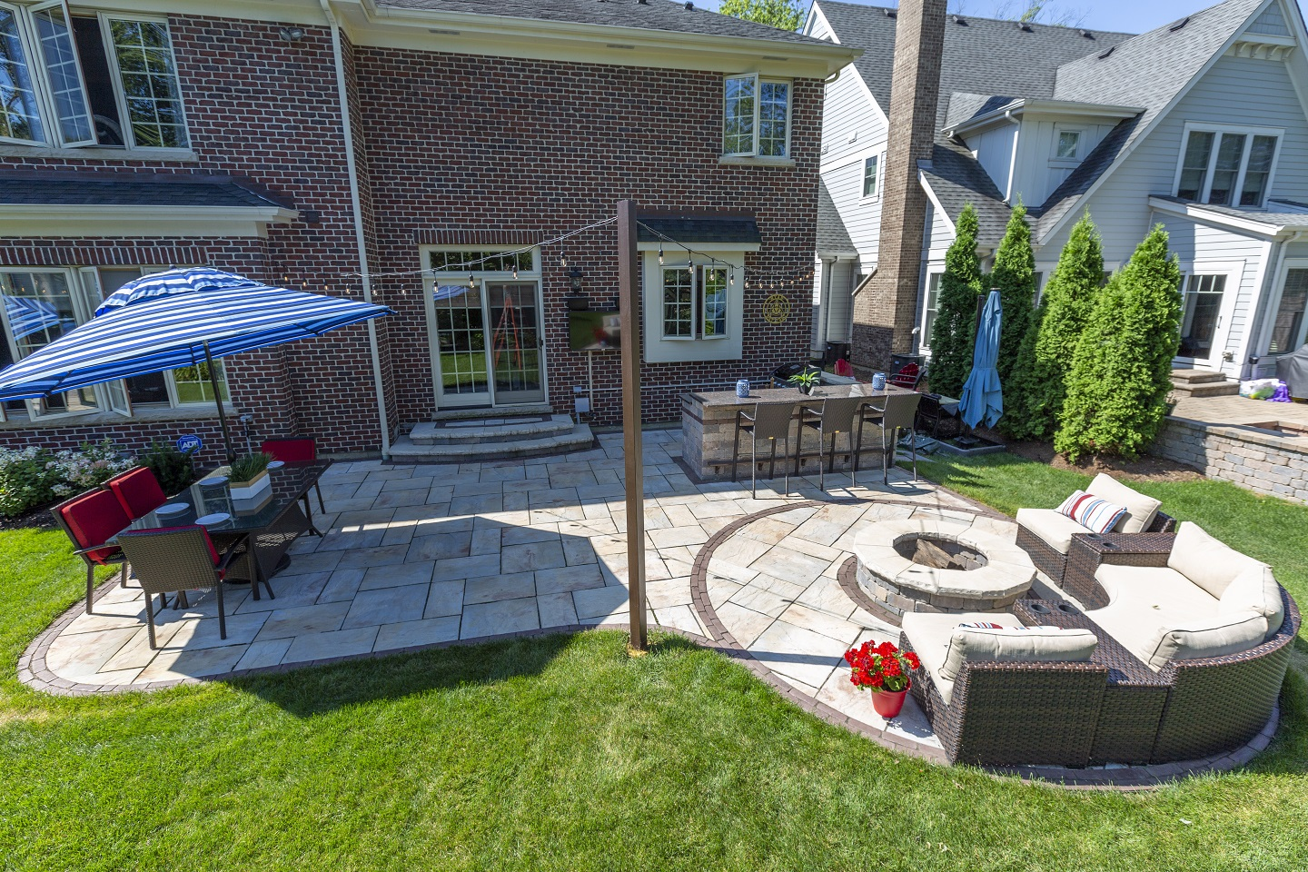 Outdoor fireplace in Hinsdale IL - brick Paving