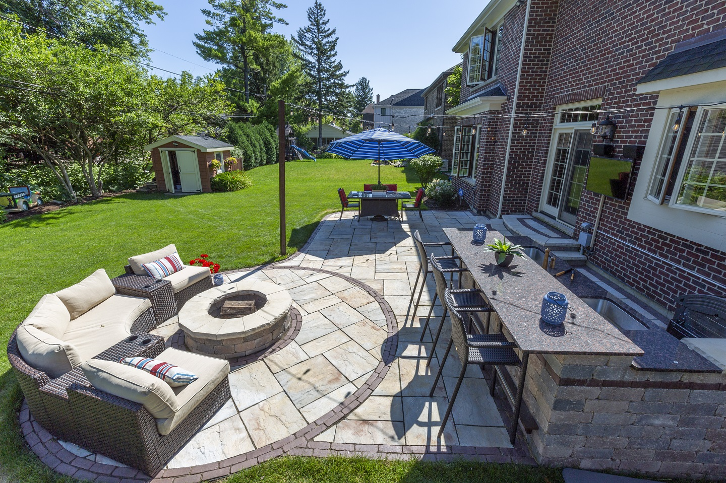 Hinsdale IL landscaping - brick patio