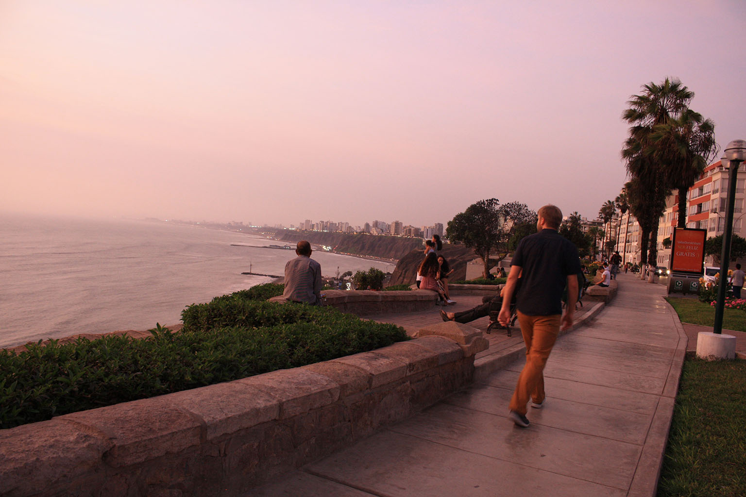 The gorgeous malecon at sunset–one of our favorite parts of Lima.