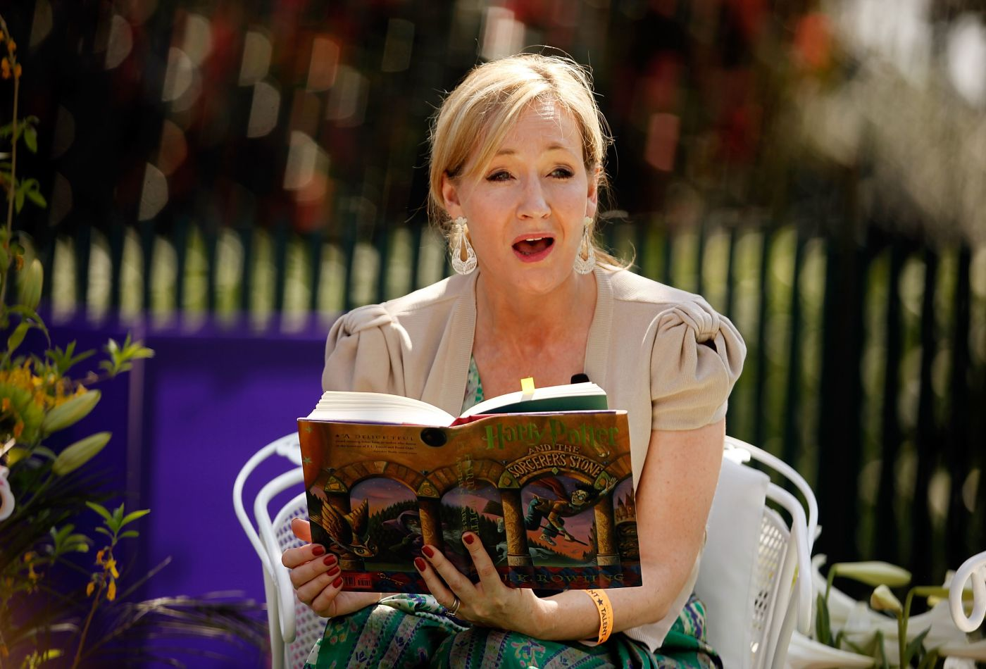 J.K Rowling Happiness Agora.jpg