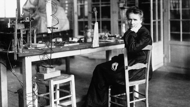 Marie Curie-happiness-agora.jpeg
