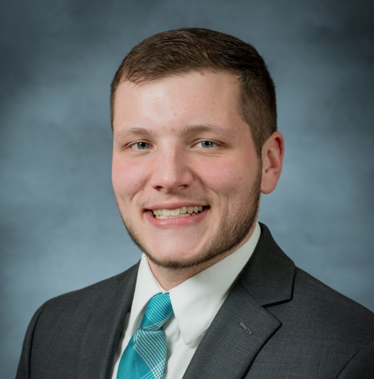 Devon Buettner   Associate Consultant, FivesSquared  Hobbies: Weightlifting, Collecting & Yard saling  Hoping to gain from coworking: Meet new people  can help fellow coworkers by: Answering questions, helping out when needed, and being able to provide feedback   Website    Facebook    LinkedIn