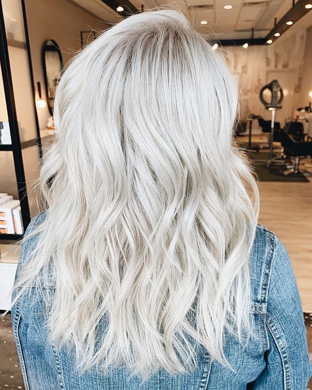 🤩 FRI + SAT SPECIAL 🤩 Schedule a haircut or blowout and receive a FREE Malibu Treatment!⁠ ⁠ This treatment removes chlorine, minerals & salts. It also restores shine + manageability! Tag a friend who needs this in their life ASAP.⁠ ⁠ CALL OR EMAIL TO BOOK!⁠ ⁠ **Valid Friday July 26th & Saturday July 27th only.⁠ ⁠ Hair By: @elliepea⁠ .⁠ .⁠ .⁠ .⁠ #manestudio #platinumblonde #blondehair ⁠ #modernsalon #btcpics #behindthechair #salonlife #hairtrends #trendyhair #beautifulhair #hairoftheday #hairofinstagram #instahair #americansalon #hairstylist #hairinspo #hairgoals #hairstyles #hotonbeauty #imallaboutdahair #hairideas #beautylaunchpad #wilmingtonnc #manestudiowilmington #localsalon #wrightsvillebeach #wilmington #sunsetbeachnc #whatsupwilmington