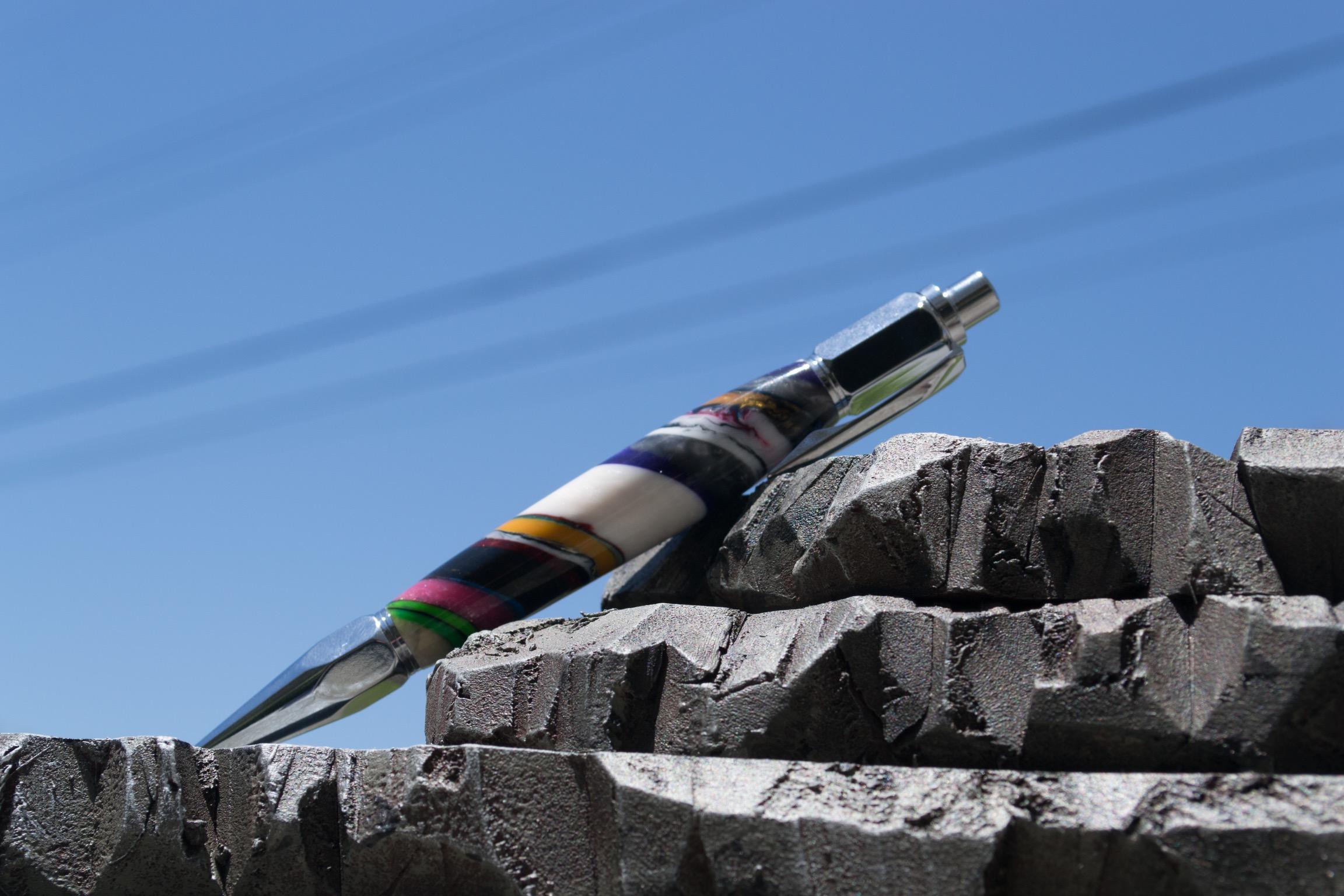 Strata Pen-1.jpg