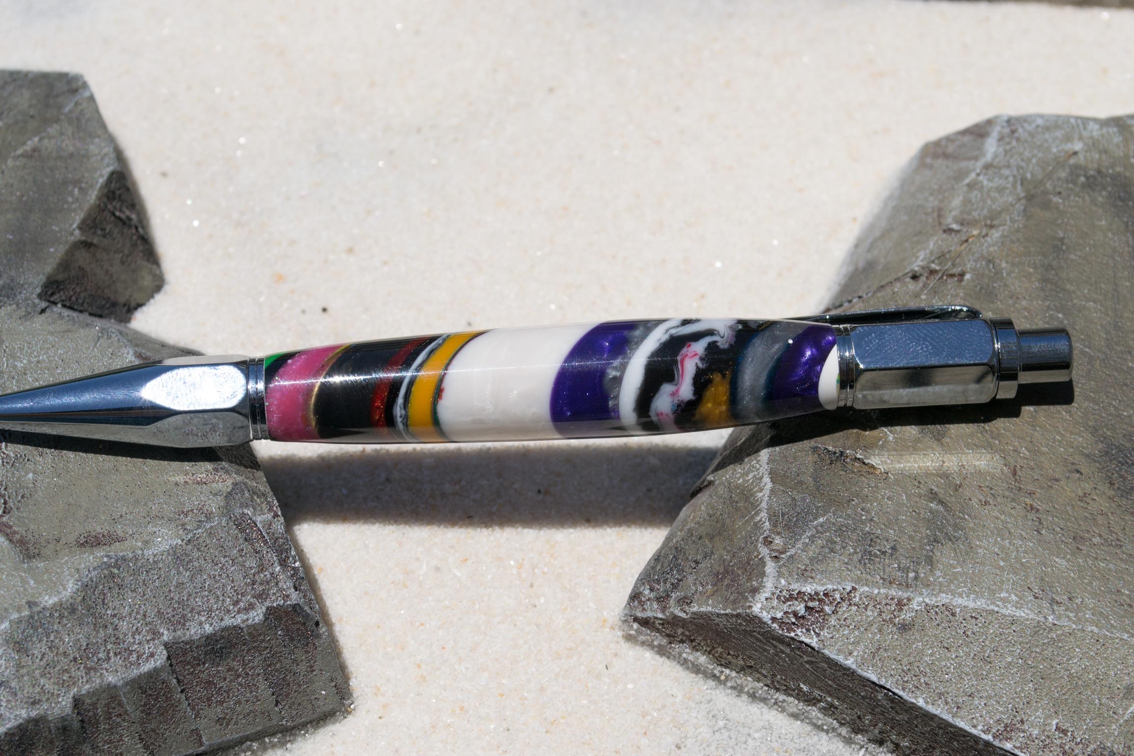 Strata Pen-3.jpg