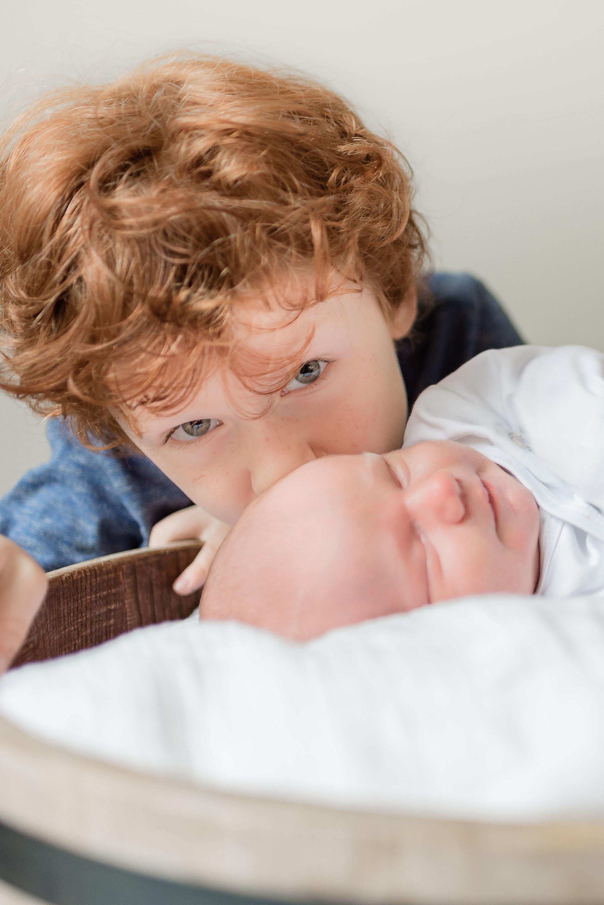 Erin-Fabio-Photography-Everett-Carr-Newborns-Sept-2018-27.jpg