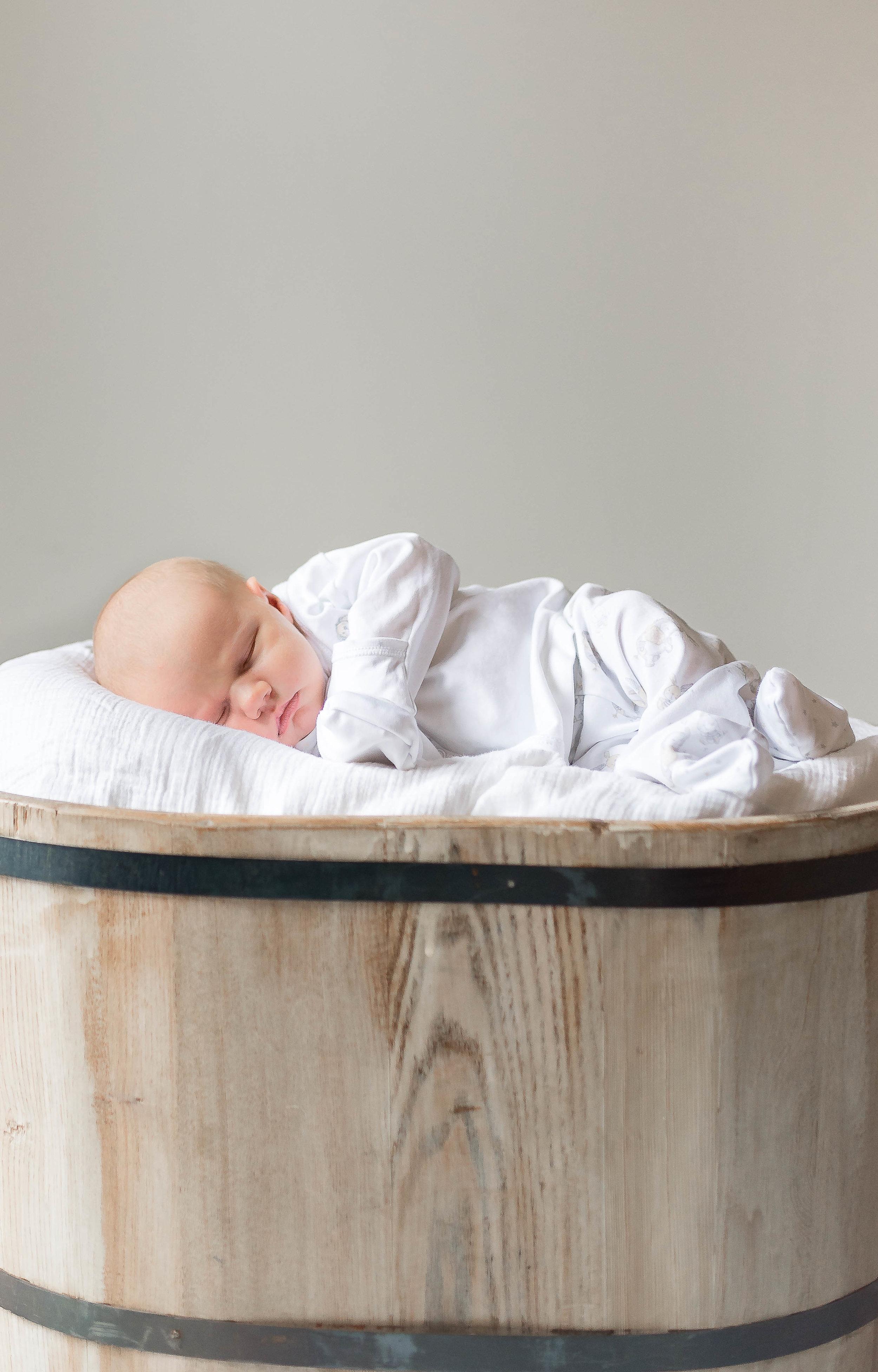 Erin-Fabio-Photography-Everett-Carr-Newborns-Sept-2018-16.jpg