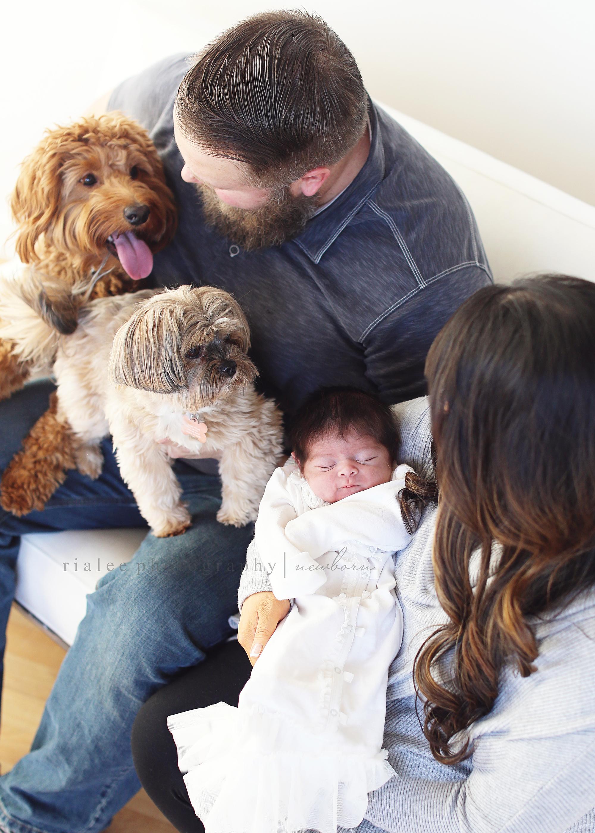 newbornphotoswithfamily.jpg