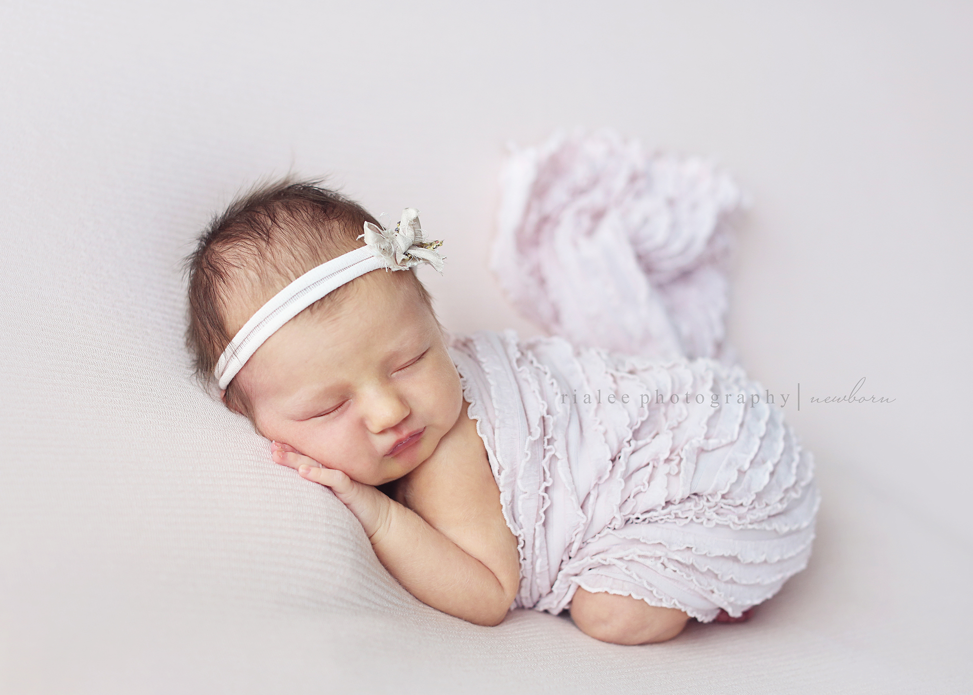 newbornphotosfargond.jpg